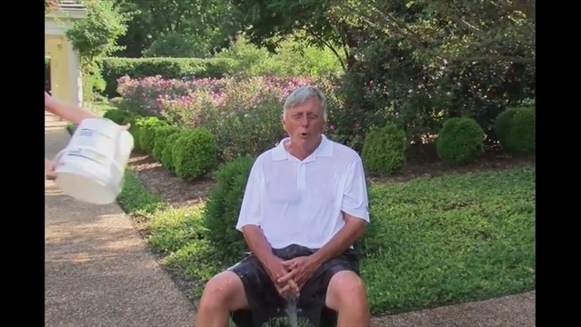 Arkansas Governor Mike Beebe Takes Part in 'ALS Ice Bucket Challenge'.
