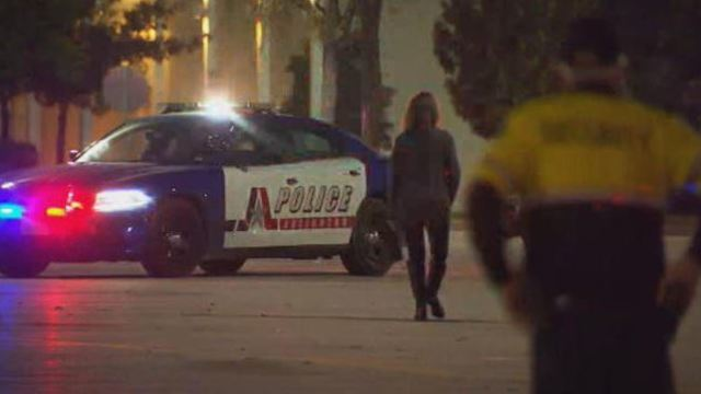 Shopping center in Arlington, TX evacuated after officer involved shooting