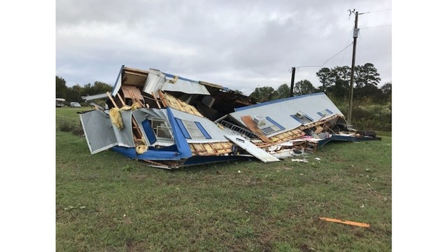 Four hurt when storm hits two mobile homes in Concordia Parish